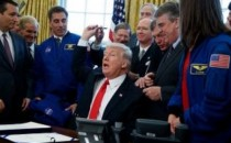 President Trump Wants Americans to Land on Mars in 2030s As He Signs $19.5B Bill Funding It