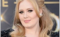 Singer Adele arrives at the Oscars at Hollywood & Highland Center on February 24, 2013 in Hollywood, California.
