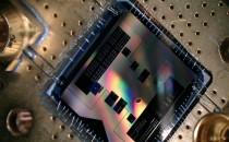 Quantum Chip (2 of 2) (IMAGE)