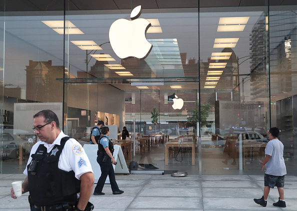 Apple Temporarily Closes Over 20 Retail Locations Due to Surge in COVID-19 Cases