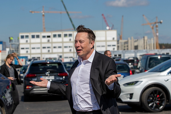 Elon Musk to Throw $100 Million Prize for Twitter Followers with 'Best' Carbon Capture Tech