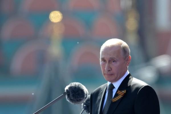 Vladimir Putin Tests Joe Biden by Massing Troops Along Ukraine's Border, Former US Ambassador Warns