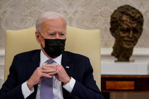 Biden Urges Putin to Ease Tensions on Ukraine's Border, Proposes Summit in a Call