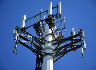 5G Towers in UK Burned Down After False Claims That It Spreads Coronavirus