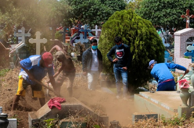 """Express Burials"" in Nicaragua Spark Speculations of a Cover Up on the Real Status of COVID-19"