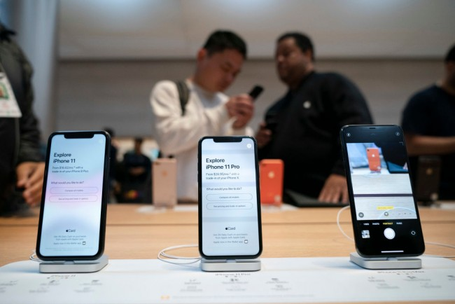 Consumers Line Up As Apple's iPhone 11 Goes On Sale In Stores
