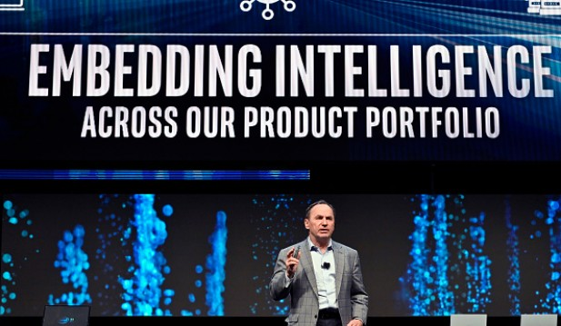Why Intel CEO Bob Swan is Stepping Down to His Position, to Replace with VMware CEO Pat Gelsinger