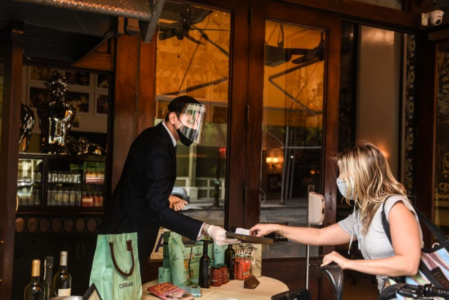 New York City Restaurant Dining To Resume on Valentine's Day