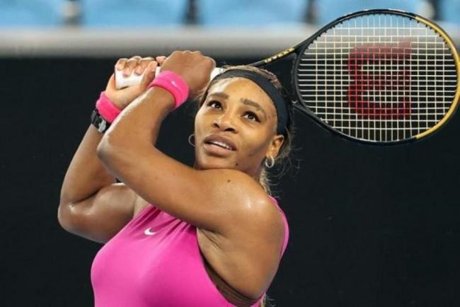 Serena Williams reaches the Australian Open semi-finals