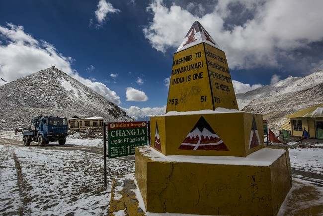 Indian and Chinese Troops Withdraw from Lake Pangong Tso in the Himalayas