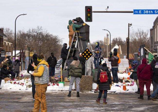 Minneapolis Shootings Leave 1 Dead, 2 Injured