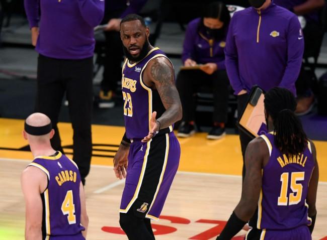 Charlotte Hornets v Los Angeles Lakers