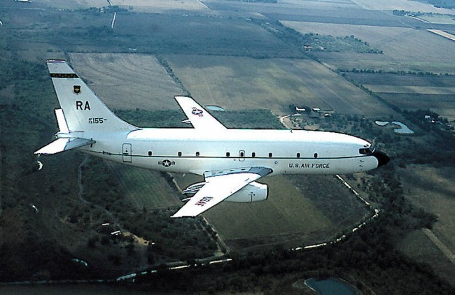 US Air Force Secret Aircraft Seen the First Time at Area 51