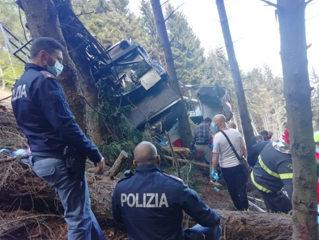 Italy Cable Car Accident Deaths Rise to 14 People, Car Plunged Into the Wooded Area
