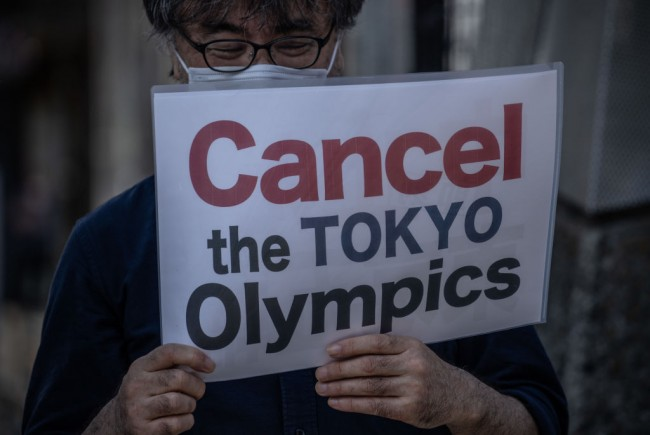 US Warns Against Travel to Japan as Olympics Loom; Doctors Claim the Games Must be Canceled