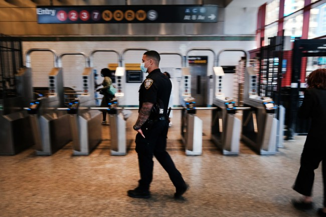 New York Hires 200 Private Guards as City Grapples with Spike in Violence, Subway Crime