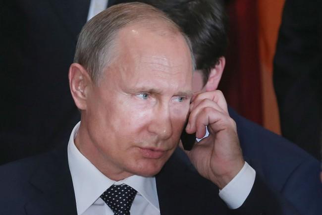 "Putin Not Happy As M16 Chief Says Kremlin Is ""Declining Power,"" Warns US of Dollar Sanctions"