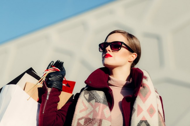 SmartBuyGlasses Harnesses High-Tech Tools for a Gold-Class Online Shopping Experience for Glasses