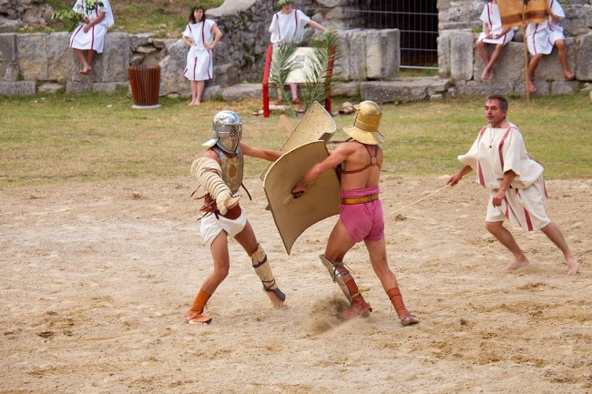Researchers Discover Ancient Mass Grave of Decapitated Bodies Believed To Be Gladiators During Roman Occupation in Britain