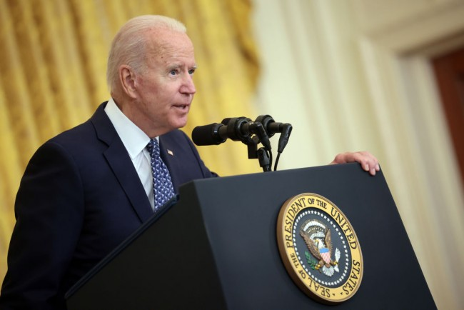 Kellyane Conway, Sean Spicer, And Other Trump Appointees Refuse To Resign; Joe Biden Accused of Politicizing Military Boards