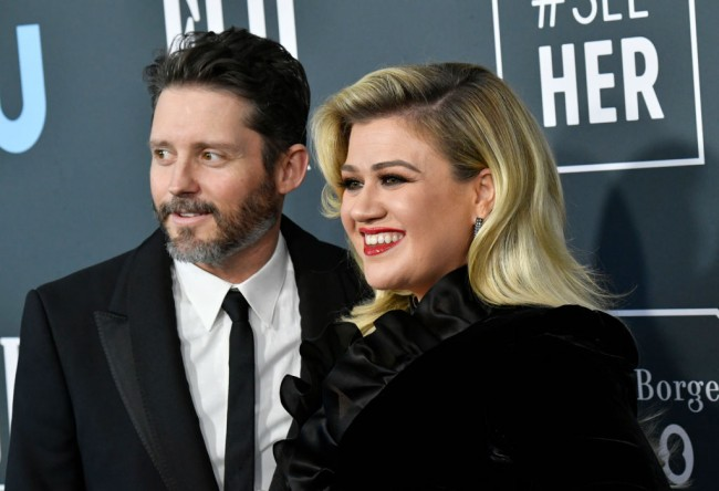 Kelly Clarkson Wins $10 Million Montana Ranch Amid Divorce Battle Against Brandon Blackstock; Fans Think She Ripped Ex in Cryptic Song Lyric