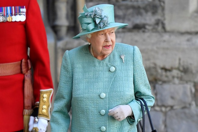 Royal Fans Grow Worried About Queen Elizabeth's Health After Monarch Spotted in Public With Walking Stick