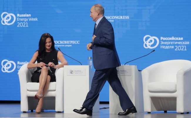 Vladimir Putin Tells the EU Gas Supplies To be Increased if Contracts are Renegotiated with Gazprom